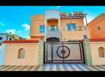 Luxurious villa with attractive modern design for sale at an ideal price