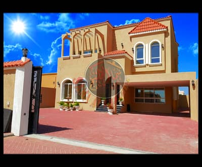 Modern luxury villa with modern design - 5 master bedrooms - freehold
