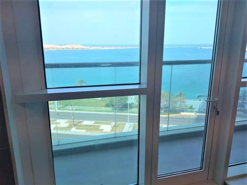 20 Stunning Sea View 2 Master Bedrooms  + Maids