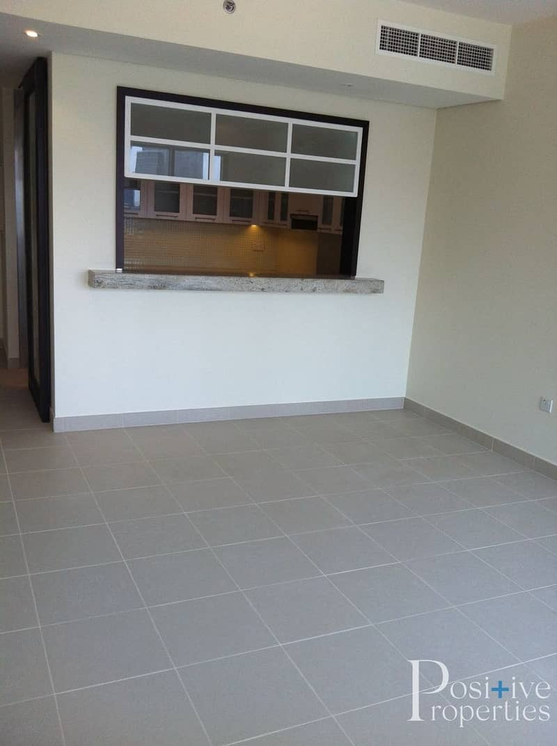 2 Fully Furnished /  Spacious / Excellent Condition