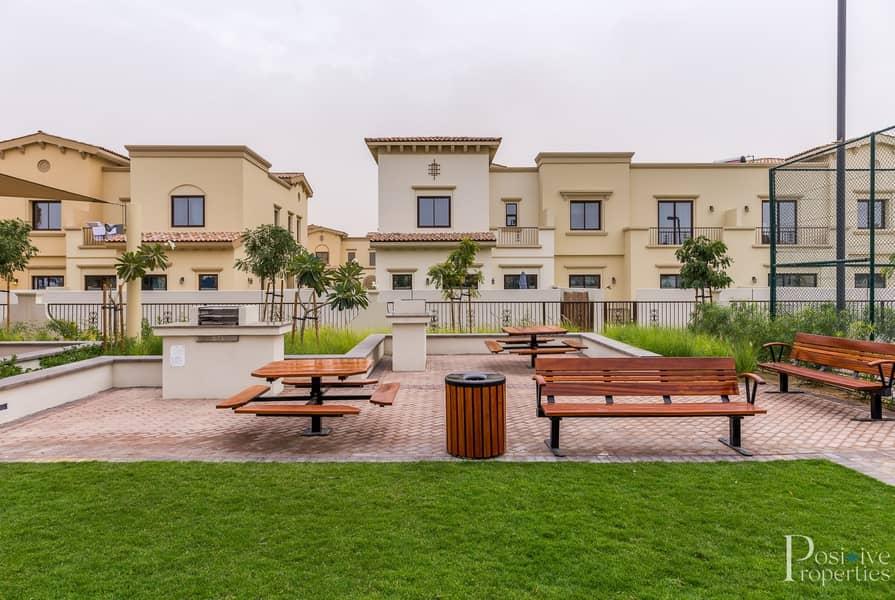 2 Single row   Corner Villa   Next to Pool and park