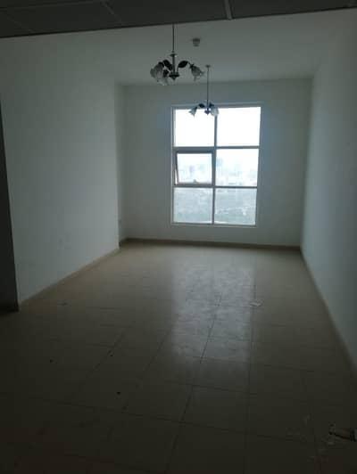 شقة 2 غرفة نوم للايجار في مدينة المرموقة، عجمان - شقة رائعة 2 BHK مع AC مجانية متاحة للإيجار في برج المدينة - عجمان مع عرض القصر