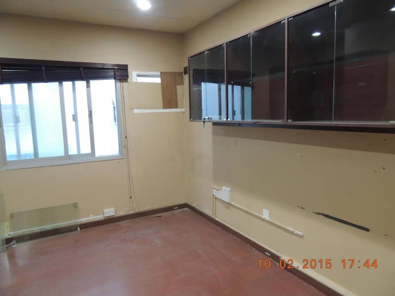2 SHOP AVAILABLE FOR RENT NEAR ASTORIA HOTEL
