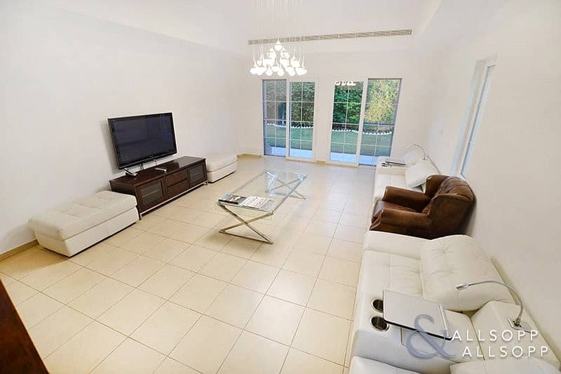 2 EXCLUSIVE   Extended   4 Beds   Near Pool