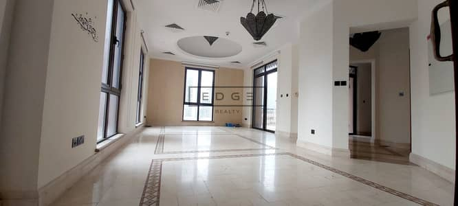 3 Bedroom Penthouse for Rent in Old Town, Dubai - Stunning Penthouse/ Plus Maid/ Negotiable