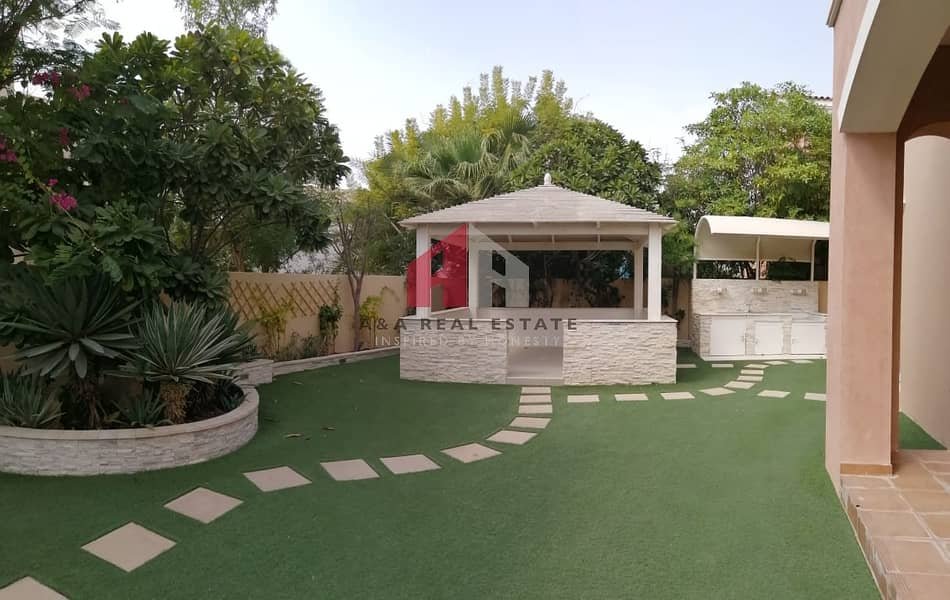 2 Luxury Villa / Italian Furniture / private pool