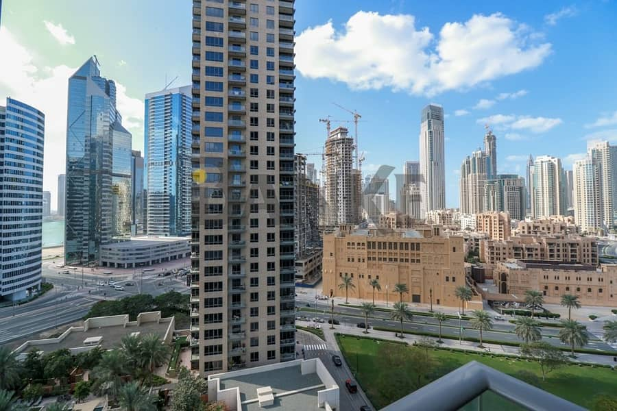 23 Burj Khalifa and Canal View | Bright & Spacious