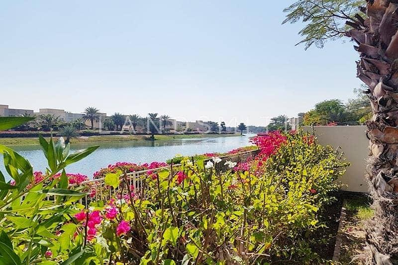 2 Full Lake view Extended Huge 4BR Villa Hattan E2