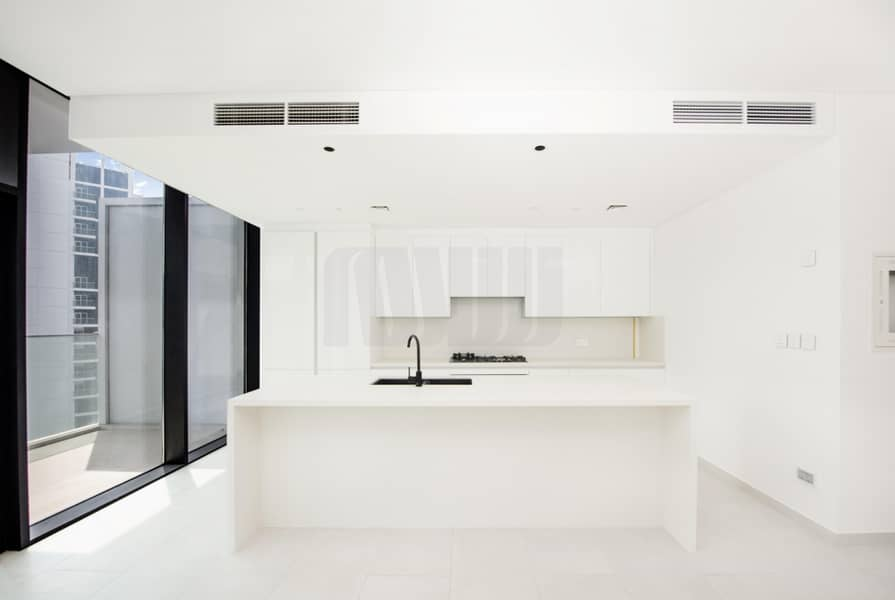 2 Luxuriously Finished Unit   Amazing City & Canal  View