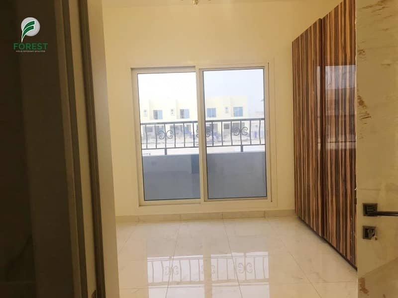 2 Brand New 3 BR Townhouse Immediate occupation