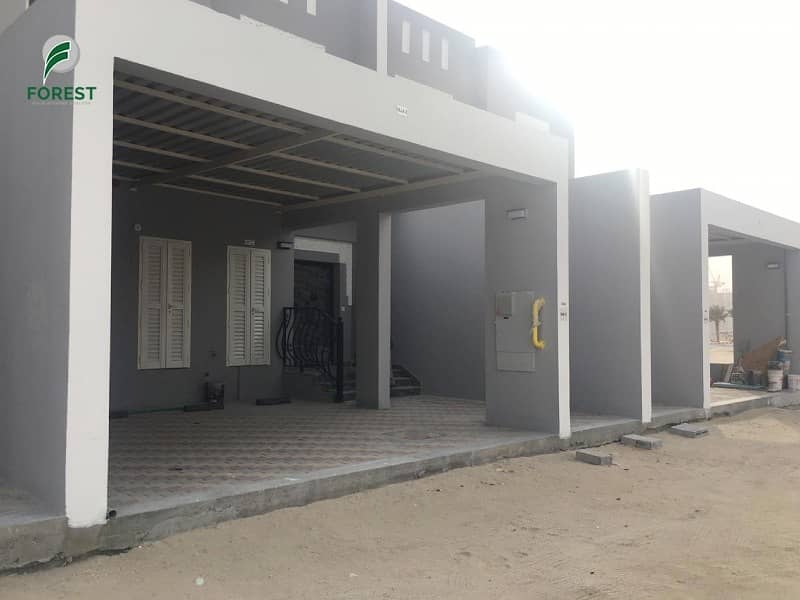 10 Brand New 3 BR Townhouse Immediate occupation