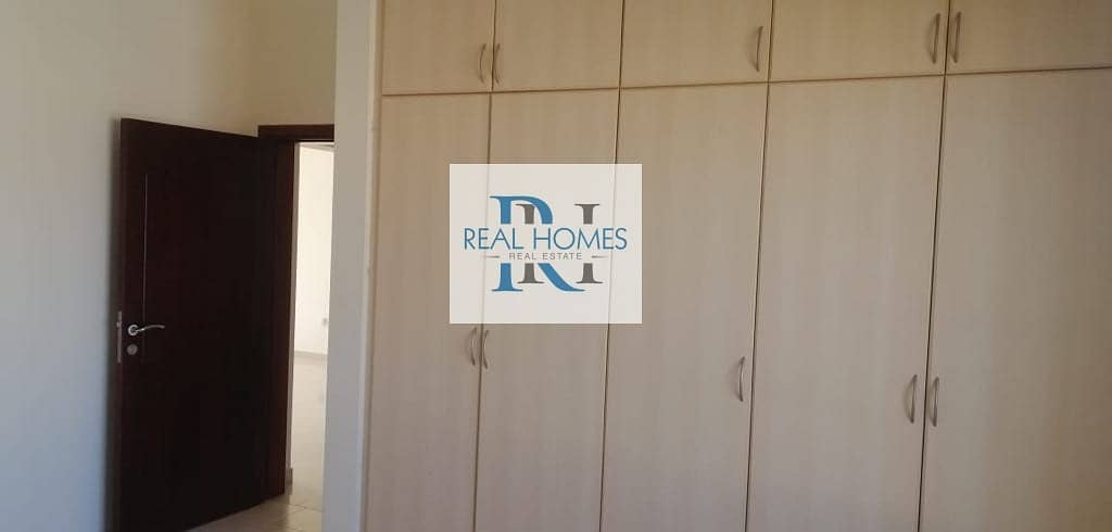 2 5 Bedroom with Maid! Swimming Pool! Well Maintained