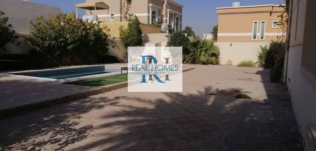 10 5 Bedroom with Maid! Swimming Pool! Well Maintained