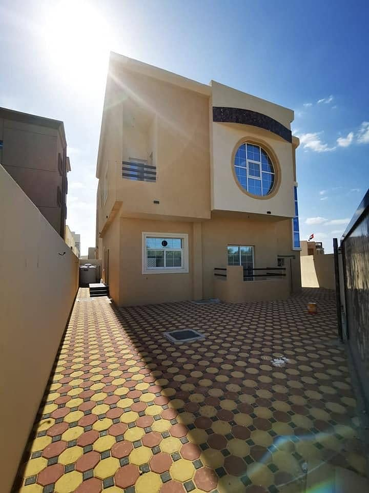 Villa for sale at a very attractive price, super deluxe finishing