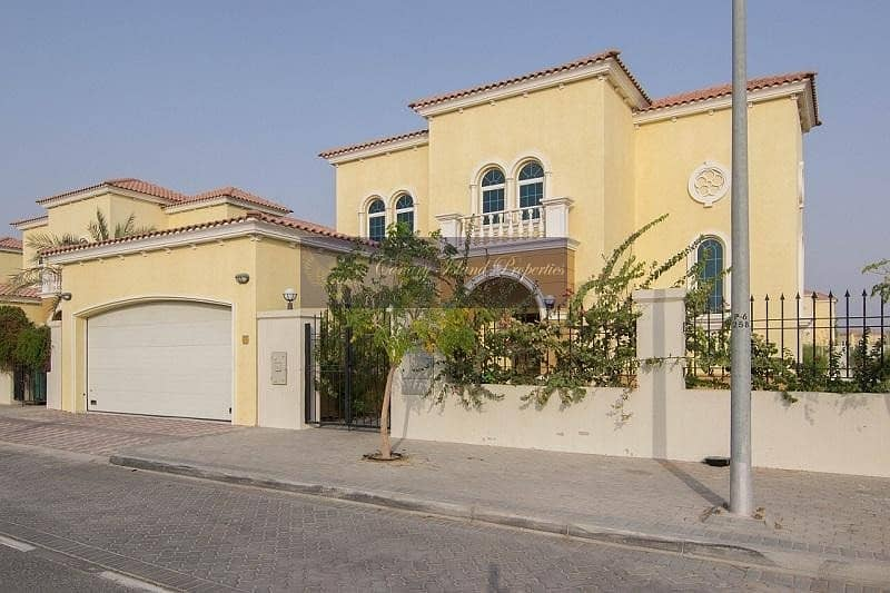 10 Three Bed + Maid's Villa in Jumeirah Park