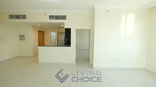 فلیٹ 1 غرفة نوم للايجار في الخليج التجاري، دبي - Spacious Hall | Higher Floor | Full Facilities