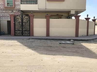 فلیٹ 3 غرف نوم للايجار في المويهات، عجمان - للايجار شقة دور ارضي مع حوش  بسعر مناسب