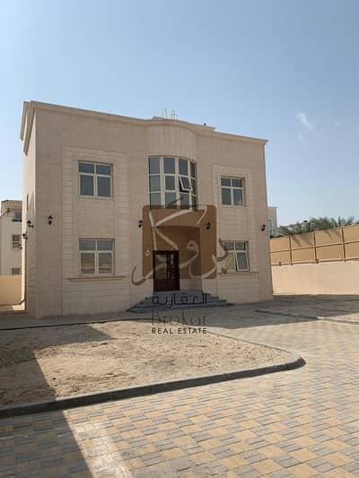 فیلا 6 غرف نوم للايجار في مدينة خليفة أ، أبوظبي - فیلا في مدينة خليفة أ 6 غرف 290000 درهم - 4522129