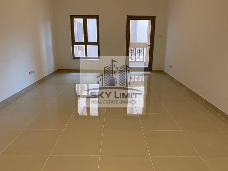 8 Palm Jumeirah Living - 1BR Affordable Rent