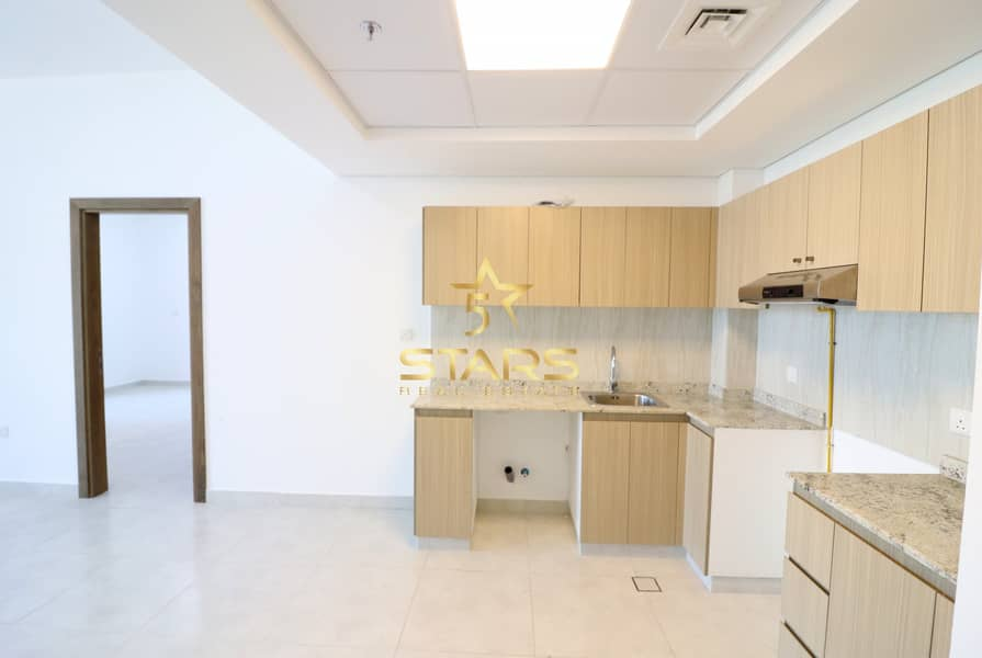 2 Brand New I  Extra Large 1BR I Villa View