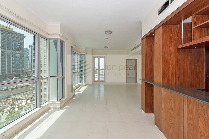 2 Spacious 1BR with Balcony | On High Floor | Rented