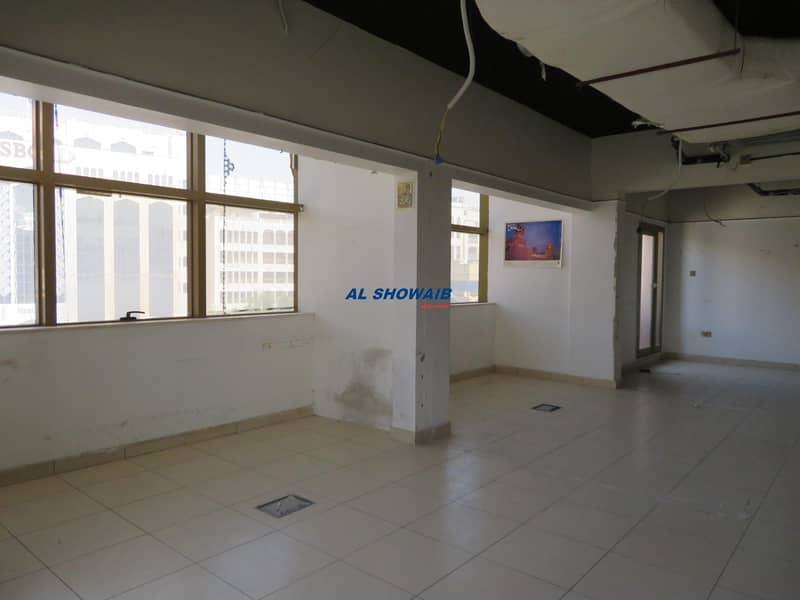 2 1440 Sq ft Office  Opp HSBC Bank Bollywood Building