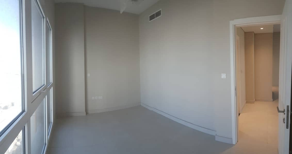 11 SEMI FURNISHED 1 BR Available in 32k for 13 Months