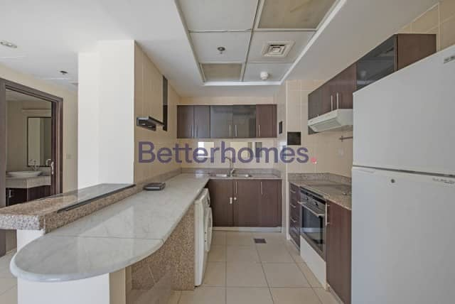 15 High Floor   Marina View   Private Jacuzzi   Vacant
