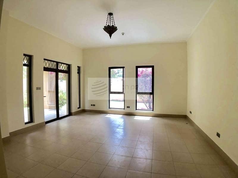 2 Rare 1 BR Apartment w/ Large Garden in Zanzebeel 3