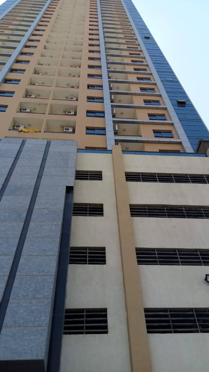 FOR SALE: READY TO MOVE EMPTY 2BHK+HALL 2 BATHROOM IN PARADISE LAKE TOWERS