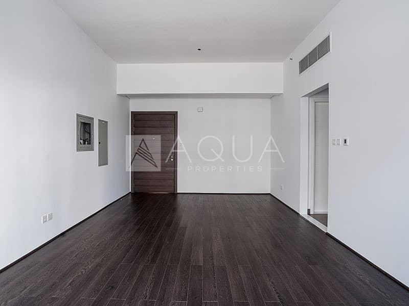 Elegant Unit | Parquet Flooring | Balcony | J5
