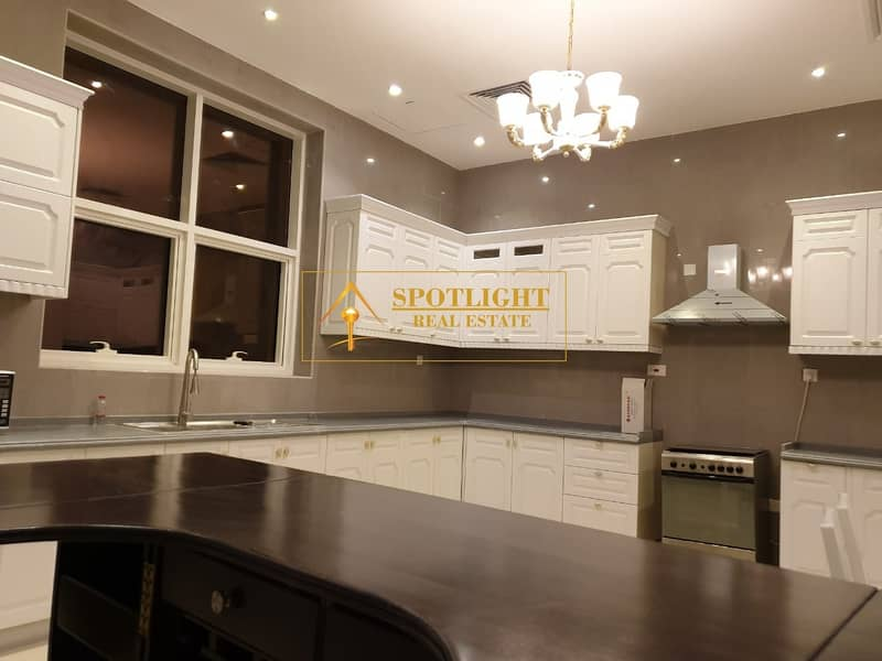 2 5 BedRoom Villa For Rent Al Khawaneej 140k Only