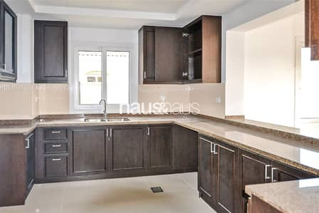 3 Bedroom Villa for Rent in Serena, Dubai - Backing Park and Pool| Multiple cheques| Available