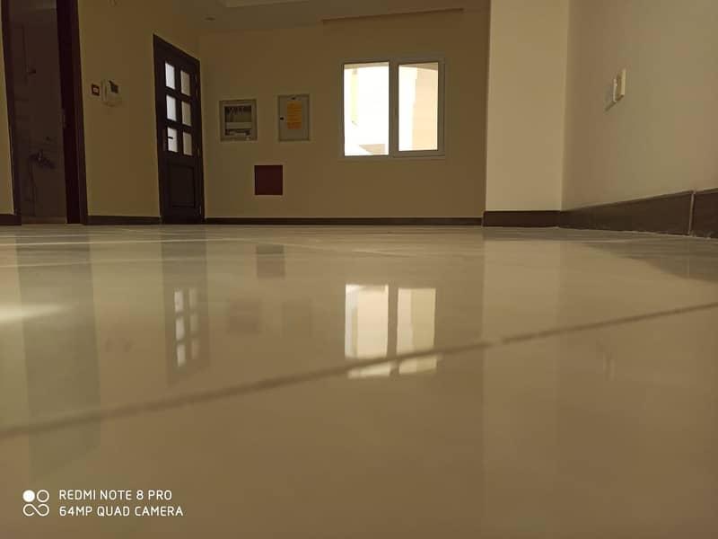 صحارى ميدوز مجتمع مسالم يقع على طول طريق محمد بن زايد داخل مدينة دبي الصناعية. فيلا 3 غرف نوم جزء من تاون هاوس . .