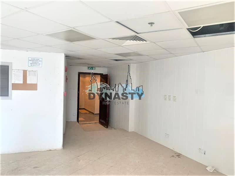 2 Fitted Shops | Spacious | Hot Spot