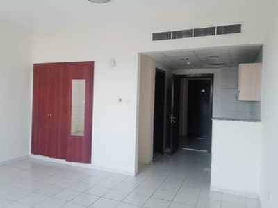 استوديو  للايجار في المدينة العالمية، دبي - شقة في الحي اليوناني المدينة العالمية 19000 درهم - 4524317