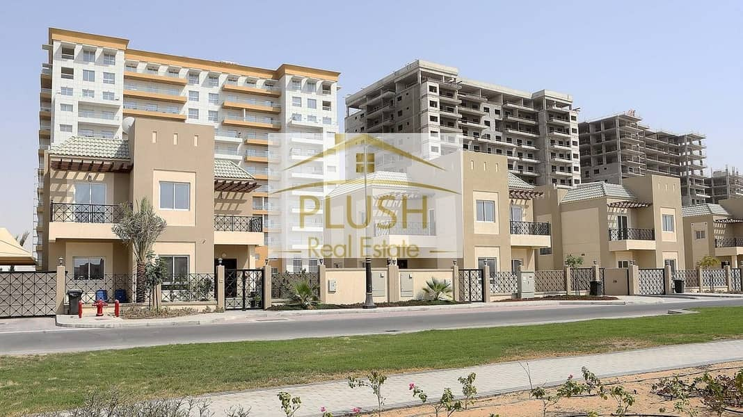 10 SUPER DISTRESS SALE - BIG & SPACIOUS VILLA- TYPE A-BEST FOR END USER- BEST PRICE..