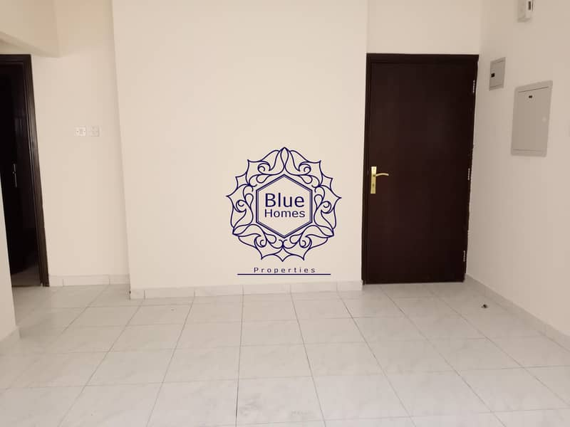2 Specious 1bhk near to Safari mall rent only 20k