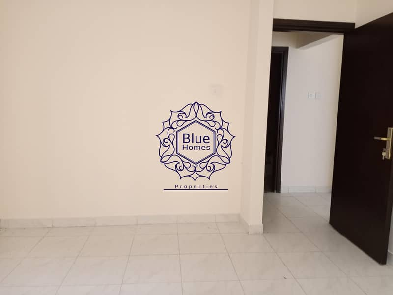 8 Specious 1bhk near to Safari mall rent only 20k