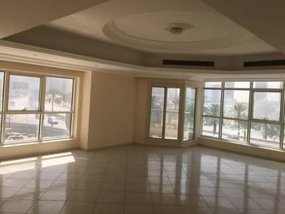 4 Bedroom Apartment for Rent in Al Khan, Sharjah - SPECIOUS SEA VIEW 4 BHK APARTMENT WITH BALCONY, MAID ROOM, CENTRAL A/C, HUGE HALL IN 85K IN AL-KHAN SHARJAH.