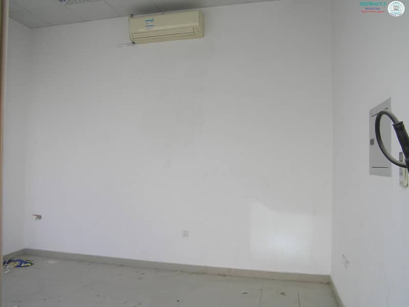 4 Shop available in Muweilah area
