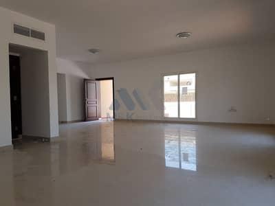 3 Bedroom Villa for Rent in Jumeirah, Dubai - Near to La Mer Beach | 3 Bedroom Villa | Private Garden