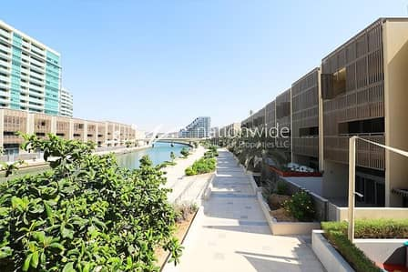 4 Bedroom Townhouse for Sale in Al Raha Beach, Abu Dhabi - Enrapturing 4 BR Townhouse w/ Private Pool In Al Muneera