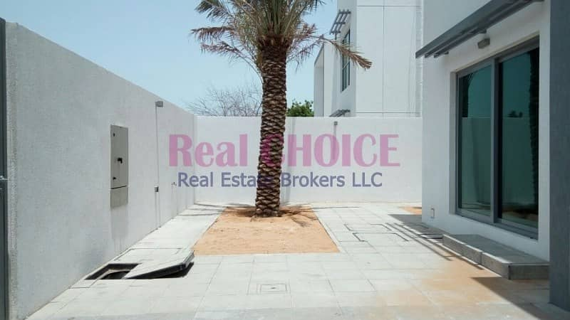 2 Modern Villa Near to City Walk 4BR With Maids Room