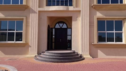 5 Bedroom Villa for Sale in Al Refaa, Ras Al Khaimah - For sale luxury villa in the new Emirate of Ras Al Khaimah Riffa