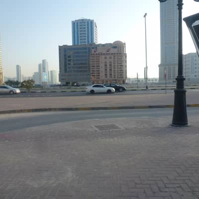 Plot for Sale in Al Khan, Sharjah - land for sale ground +5 floor very good price