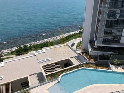 Stunning Full Sea View Contemporary 2 BR in Bluewaters