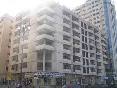 شقة 3 غرف نوم للايجار في الشويهين، الشارقة - Spacious 3 B/R Hall flat with Split ducted A/C & sea view in Corniche Area