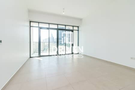 1 Bedroom Apartment for Rent in The Hills, Dubai - Spacious and  Bright 1 Bedroom Apartment