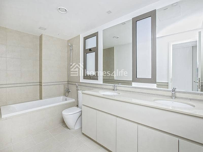2  Close to Pool and Park